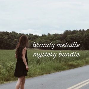 brandy melville mystery bundle! 5 items
